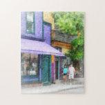 El dar un paseo abajo de la calle Newport RI de Th Puzzles Con Fotos