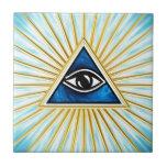 El de vista de todo de ojo dios, pirámide, francma teja  ceramica