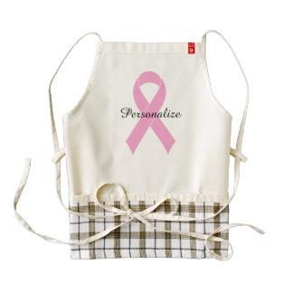 El delantal de la cinta de pecho del cáncer de las delantal zazzle HEART