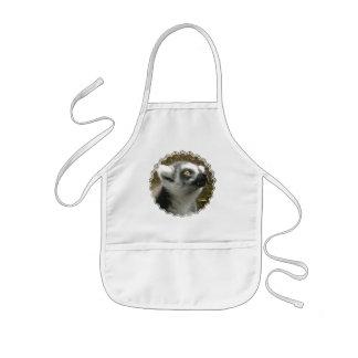 El delantal de los niños de la foto del Lemur
