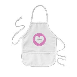 El delantal rosado del corazón para los niños el |