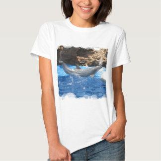 El delfín engaña la camiseta cabida las señoras polera