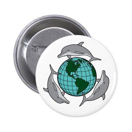 El delfín recicla pins