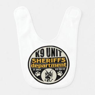 El departamento de sheriff de la unidad K9 Baberos De Bebé