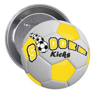 El deporte del balón de fútbol golpea el amarillo pin redondo de 3 pulgadas