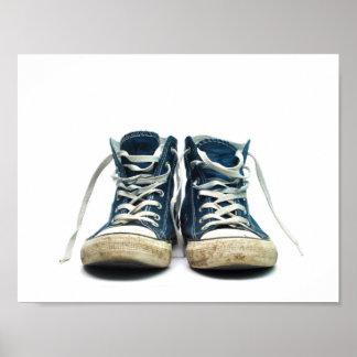 el deporte sucio de las zapatillas de deporte viej póster