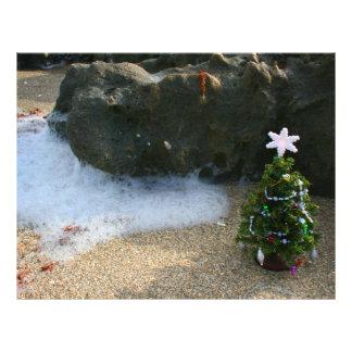 El derecho del árbol de navidad agita rocas membrete a diseño