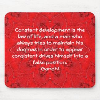 El desarrollo es la ley de la cita de la sabiduría tapete de ratón