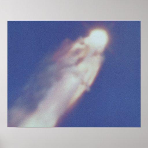El desastre de Columbia del transbordador espacial Póster