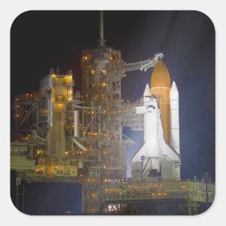 El descubrimiento del transbordador espacial en la pegatina cuadrada