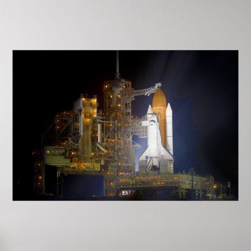 El descubrimiento del transbordador espacial en la póster