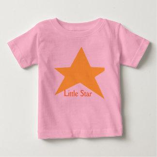 El desgaste del bebé de la estrella añade el texto playera para bebé
