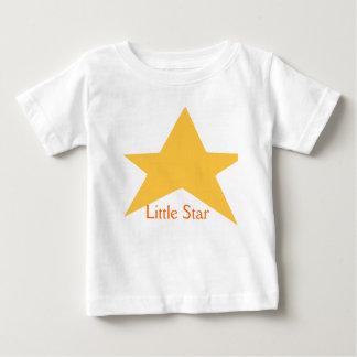 El desgaste del bebé de la estrella añade el texto poleras