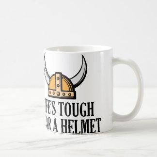 El desgaste duro de la vida un casco taza