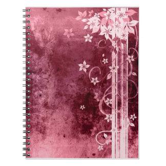 El desing floral púrpura precioso, cuaderno