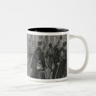 El despliegue de los infantes de marina reales de taza de dos tonos