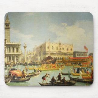 El desposorio del dux veneciano a Adriático Alfombrillas De Ratones