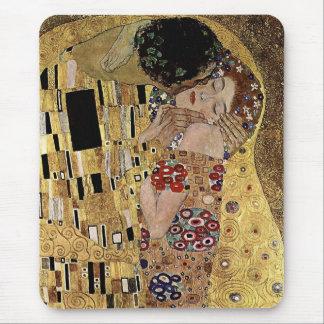 El detalle del beso de Gustavo Klimt circa 1908 Alfombrilla De Ratón