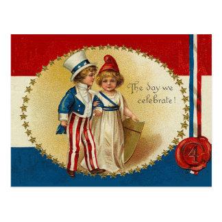 El día celebramos el 4to de las tarjetas de julio tarjeta postal