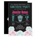 """El día de la fiesta de cumpleaños del cráneo invitación 5"""" x 7"""""""