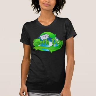 El Día de la Tierra recicla la camiseta del mundo