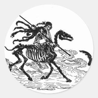 """""""El día de los muertos"""" circa 1901 Pegatina Redonda"""