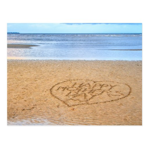 El día de madre feliz con el corazón del amor en tarjetas postales