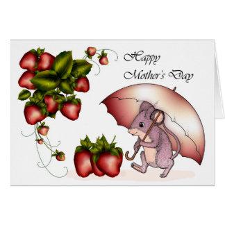 El día de madre feliz con las pequeñas fresas del tarjeta de felicitación
