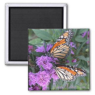 El día de madre feliz de las mariposas gemelas iman de nevera
