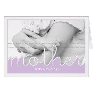 El día de madre feliz desea a mamáes de la foto la tarjeta de felicitación