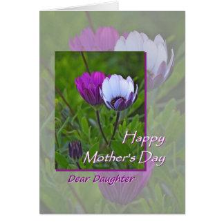 El día de madre, para la hija, flores púrpuras tarjeta de felicitación