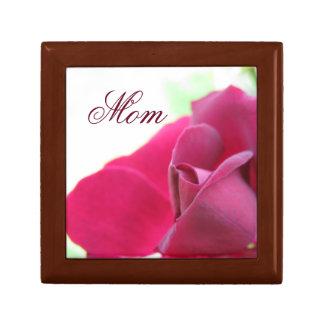El día de madre suave color de rosa rosado de la joyero cuadrado pequeño