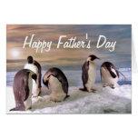 El día de padre feliz de los pingüinos de rey felicitacion