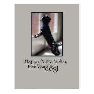 El día de padre feliz de su pequeño perro postales