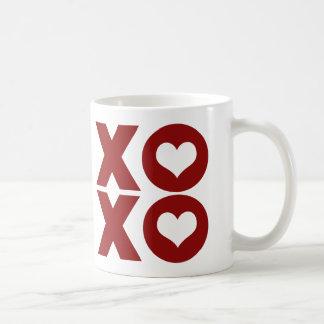 El día de San Valentín del amor de XOXO Taza Básica Blanca