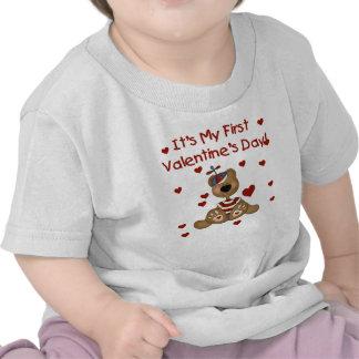 El día de San Valentín del oso del muchacho 1r Camiseta