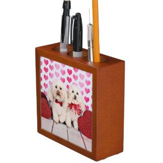 El día de San Valentín - Kirby y Shelby - caniches Portalápices