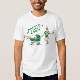 El día de St Patrick borracho feliz Playeras