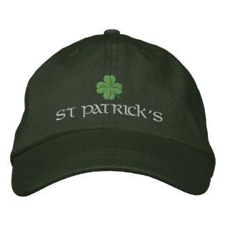 El día de St Patrick con el trébol afortunado Gorras De Beisbol Bordadas