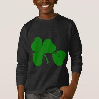 El día de St Patrick consigue la sudadera negra