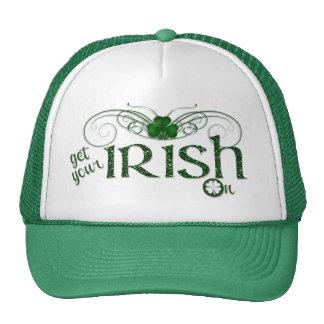 """El día de St Patrick """"consigue su irlandés en """" Gorras"""