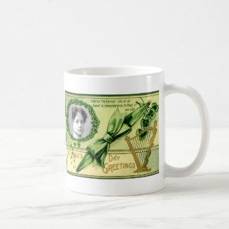 El día de St Patrick del vintage Taza Clásica