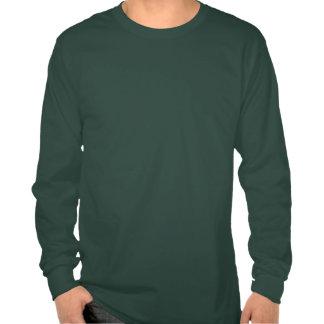 El día de St Patrick feliz borroso cerveza verde d Camiseta
