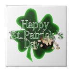 El día de St Patrick feliz - mina de oro Azulejos