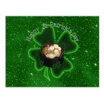 El día de St Patrick feliz - todo verde Postal