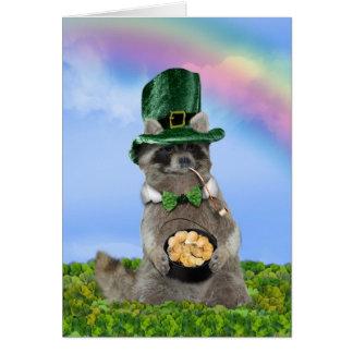 El día de St Patrick - mapache afortunado Tarjetas