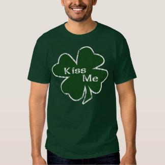 El día de St Patrick me besa camiseta Poleras