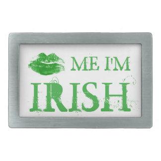 El día de St Patrick me besa que soy labios verdes Hebilla De Cinturon Rectangular