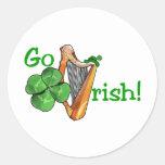 ¡El día de St Patrick - van los irlandeses! Etiqueta Redonda