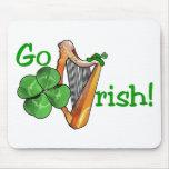 ¡El día de St Patrick - van los irlandeses! Tapetes De Ratones